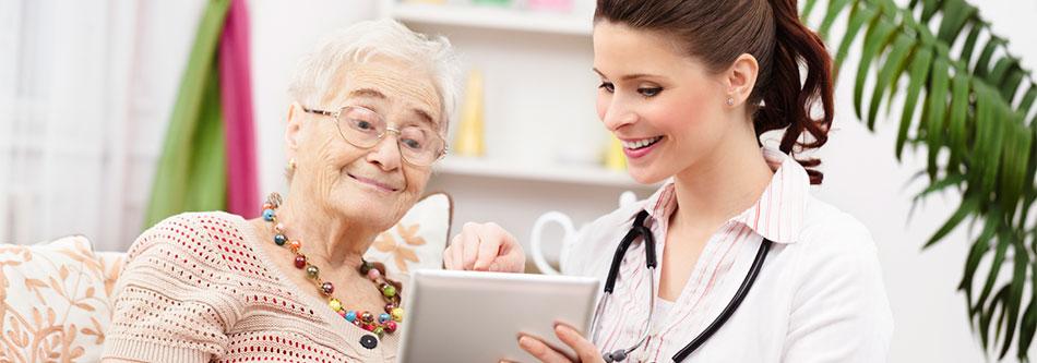 pflegedokumentation-beim-bewohner